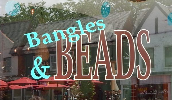 bangles beads shop doora 1 600x350 - Contact